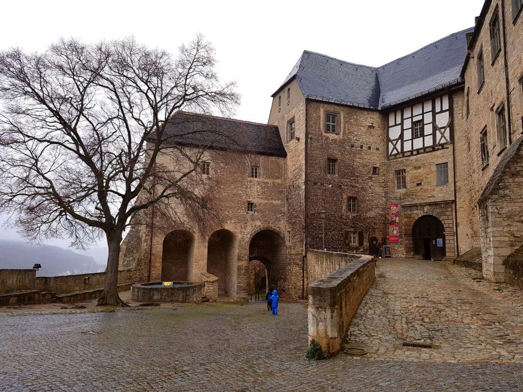 Schloss Neuenburg un Freyburg