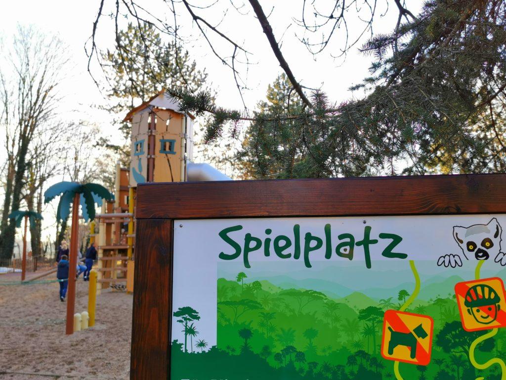 Spielplatz im Tiergarten Bernburg