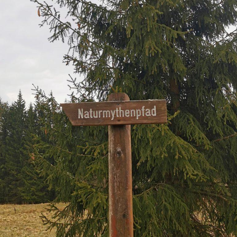 Wegweiser Naturmythenpfad